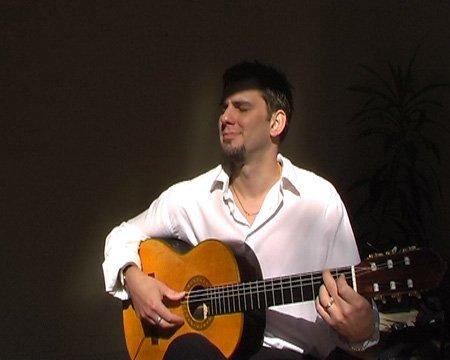 contemporary-solo-guitarist