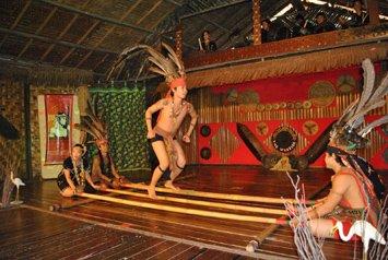 Borneo Magunatip Dancers