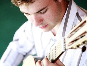 Solo Classical Guitarist For Functions, Receptions And Events