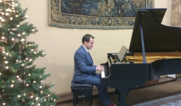 Christmas Pianist London