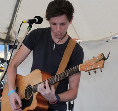 Aidan - Solo Vocalist & Acoustic Guitarist