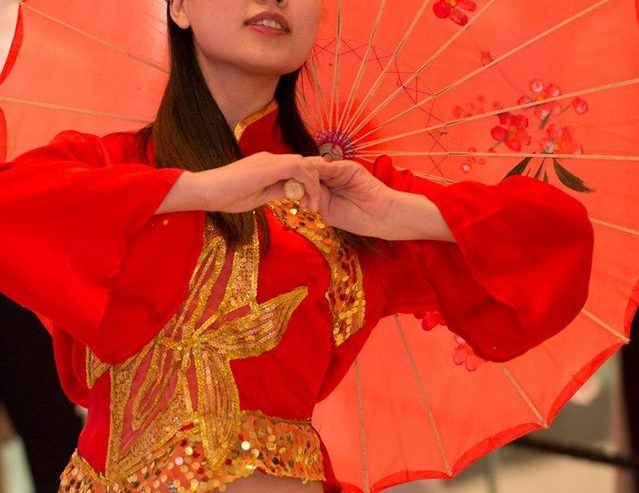 Chinese-Umbrella-Dancers-London
