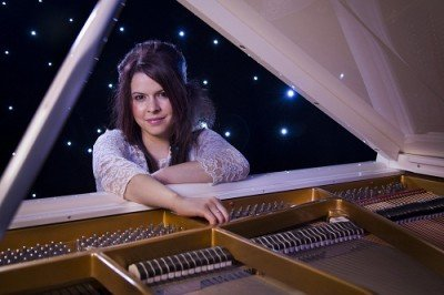 Solo Female Pianist For Hire In London
