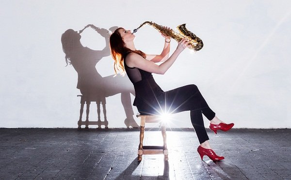 Female Saxophonist For Corporate Events & Functions in London