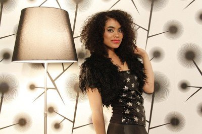 Solo Female Vocalist Functions,Live Gigs & Parties