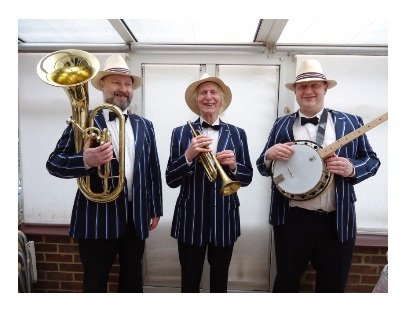The Busketeers Sing Along Trio