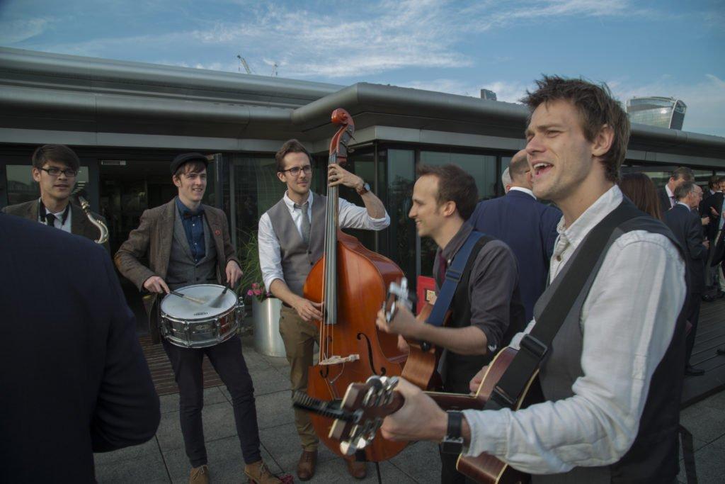 Buskers-Roaming-Musicians-London