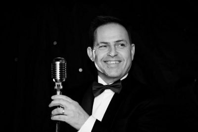 Book A Solo Vintage Style Vocalist -Music for London