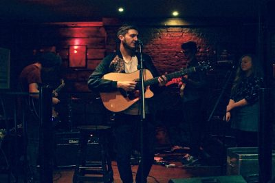 Solo Vocalist,Pianist Guitarist for hire in London - Music for London