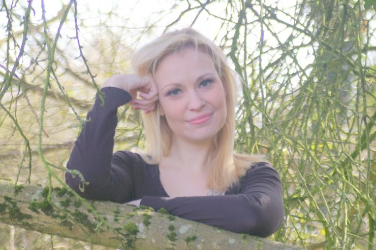 Book a Solo Female Singer in London for Events - Music for London